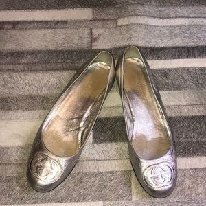 Authentic Gucci silver flats size 8
